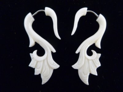 33326 45mm Buffalo Bone Carving Earring